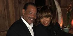 Tina Turner mostra o momento doloroso em que espalhou as cinzas do filho
