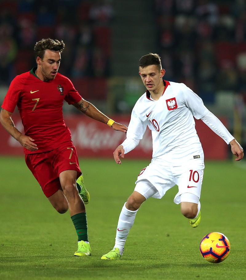 Sub-21 precisam de um empate frente à Polónia para assegurarem presença no  Europeu 3ef5c8a11cbdd