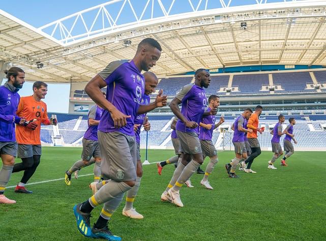 FC Porto cumpriu último treino antes da viagem para a Alemanha ... d6b51ec2c47