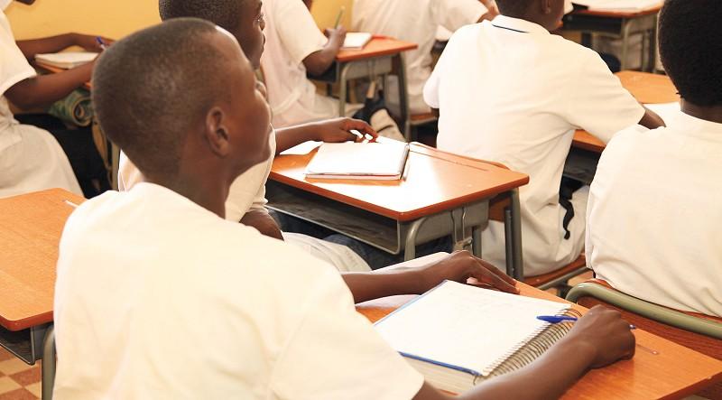 Resultado de imagem para Ensino dos professores moçambique
