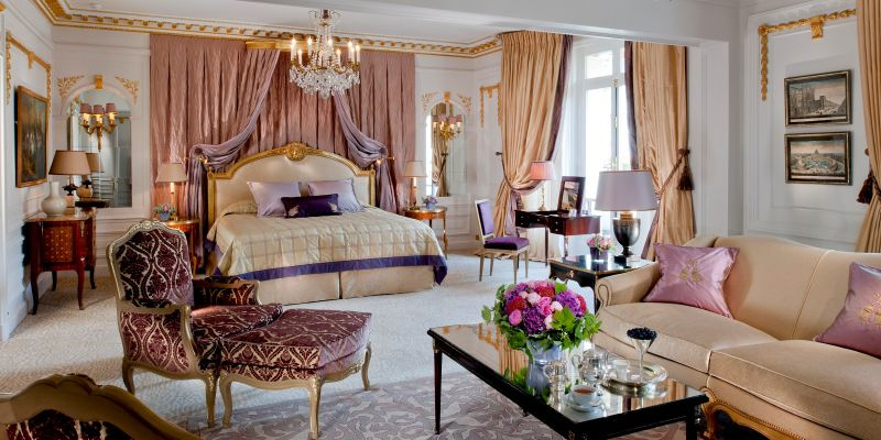 The Royal Suite no Hôtel Plaza Athénée, Paris, França – 25 mil euros/noite