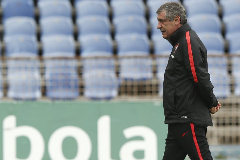 Portugal's training • Portugal's national soccer team head coach Fernando Santos, during a training at Restelo stadium in Lisbon, Portugal, 26 March 2016. Portugal will face Belgium  next Tuesday on a preparation match for the 2016 European Soccer Championship. ANTONIO COTRIM/LUSA • Lusa