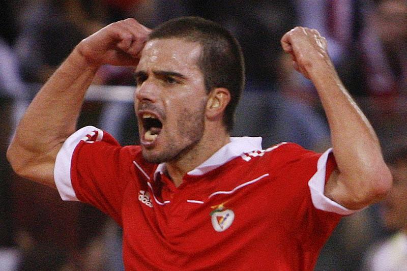 Gonçalo Alves renova com o Benfica - Futsal - SAPO Desporto 9de923ad34816