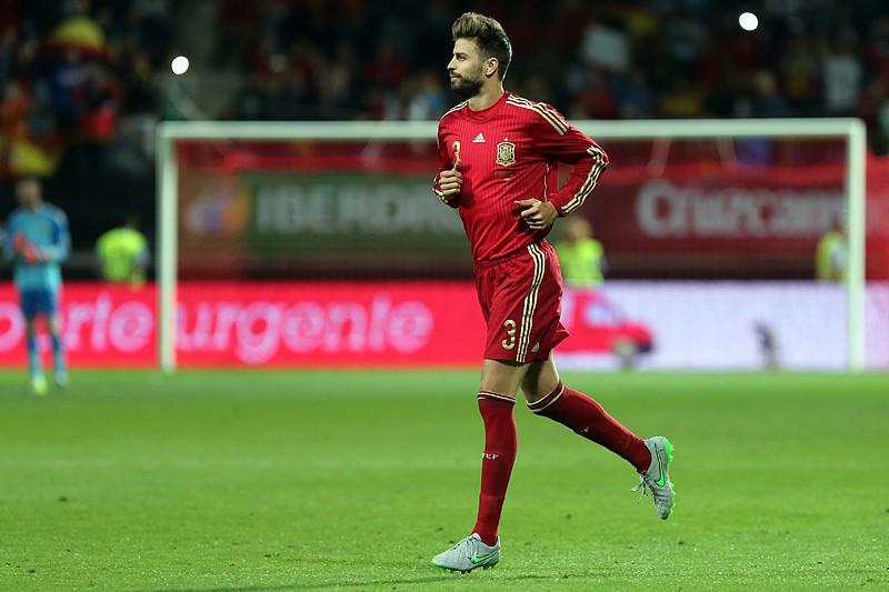 60cab2b571 Piqué confirma retirada da seleção espanhola - Futebol Internacional ...