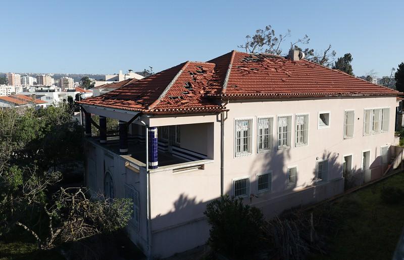 Resultado de imagem para Região de Coimbra quer ficar com creche histórica abandonada na Figueira da Foz