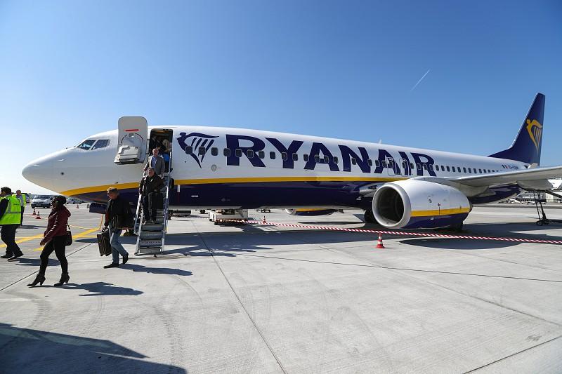 Resultado de imagem para Greve da Ryanair cancelou pelo menos 19 voos