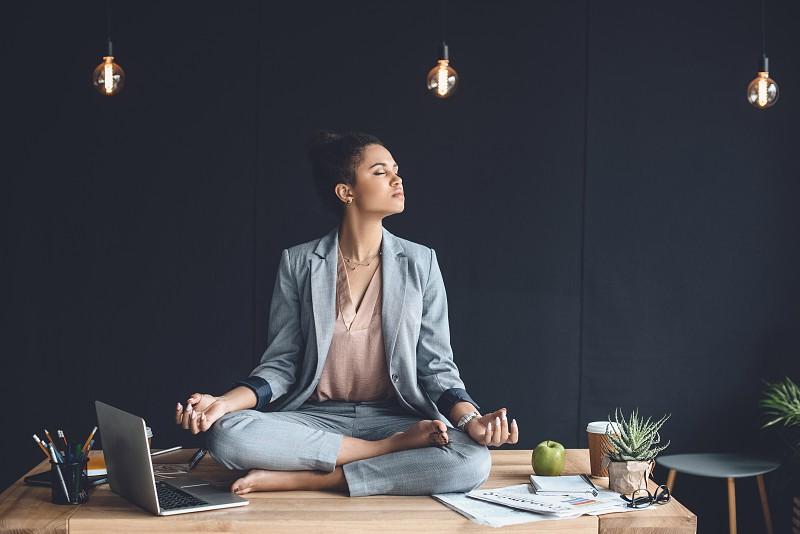 6 exercícios para gerir o stresse e aumentar a produtividade no trabalho
