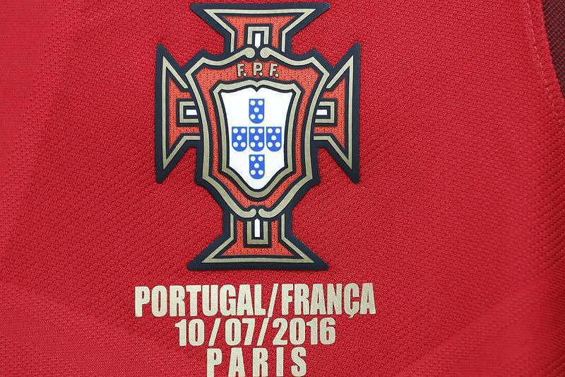 5cc1a59127153 Portugal joga de vermelho em Paris - Euro 2016 - SAPO Desporto