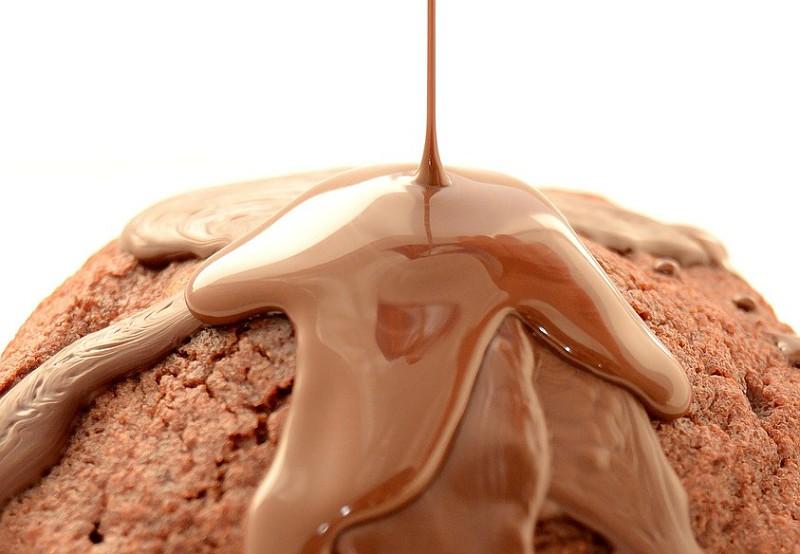 É fácil. Aprenda a fazer três chocolates aromatizados caseiros