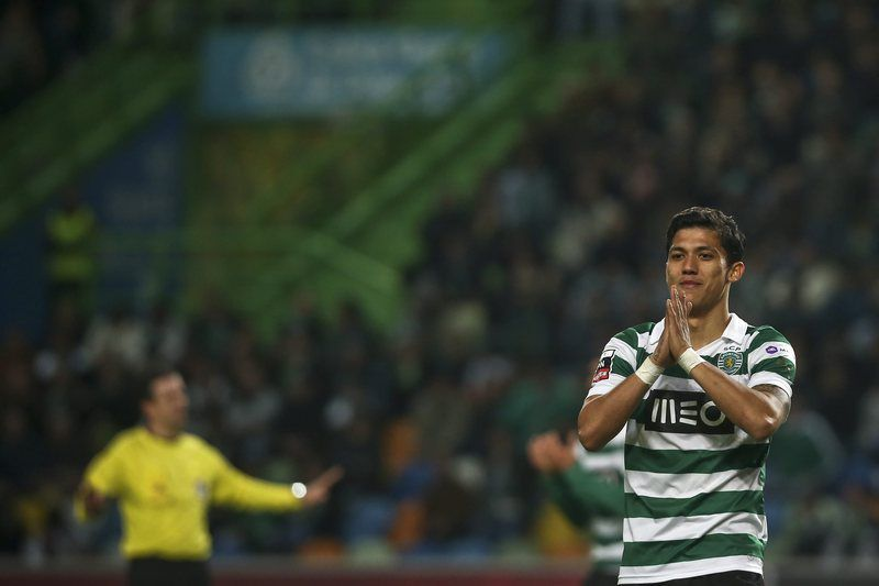 Sporting vs Academica • Sporting's player Fredy Montero reacts during the Portuguese first league soccer match against Academica held at Alvalade Stadium, Lisbon, Portugal, 2nd February 2014. MARIO CRUZ/LUSA • EPA; MARIO CRUZ; epa04052820; MÁRIO CRUZ
