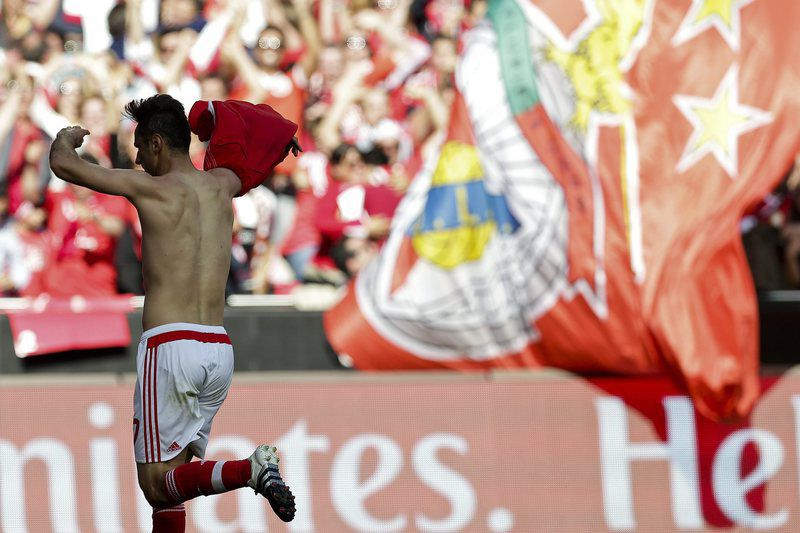 Benfica vs Nacional da Madeira • epa05308224 Benfica´s player Jonas celebrates the scoring of a goal against Nacional da Madeira during the Portuguese First League soccer match held at Luz stadium in Lisbon, Portugal, 15th May 2016.  EPA/ANTONIO COTRIM