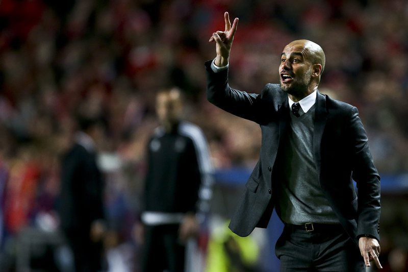 Benfica vs Bayern Munich • epa05257697 Bayern Munich's head coach Pep Guardiola reacts during their UEFA Champions League quarterfinal second leg soccer match against Benfica, at Luz Stadium, in Lisbon, Portugal, 13 April 2016.  EPA/MARIO CRUZ • Lusa