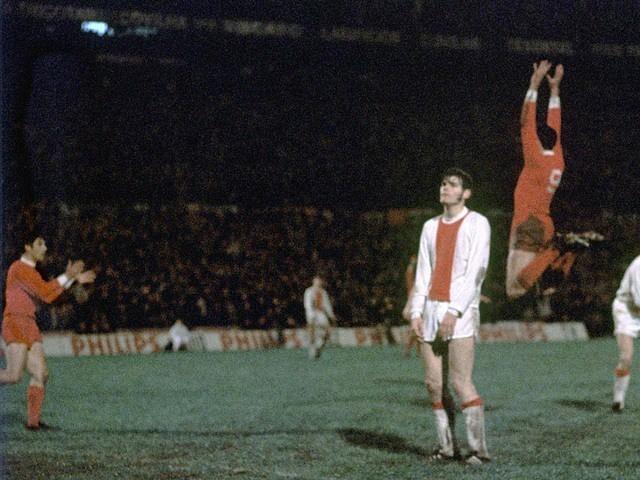 José Torres celebra um golo do Benfica frente ao Ajax