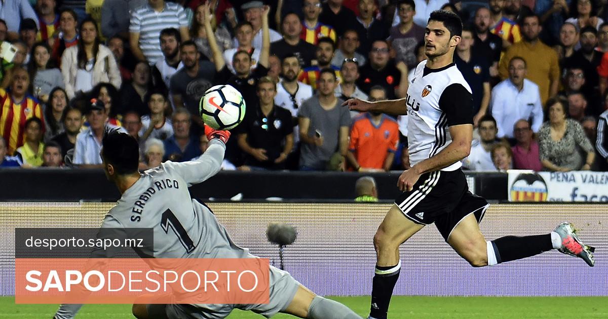 Golo de Gonçalo Guedes candidato a melhor do ano em Espanha - La Liga -  SAPO Desporto 1decbfea36d81