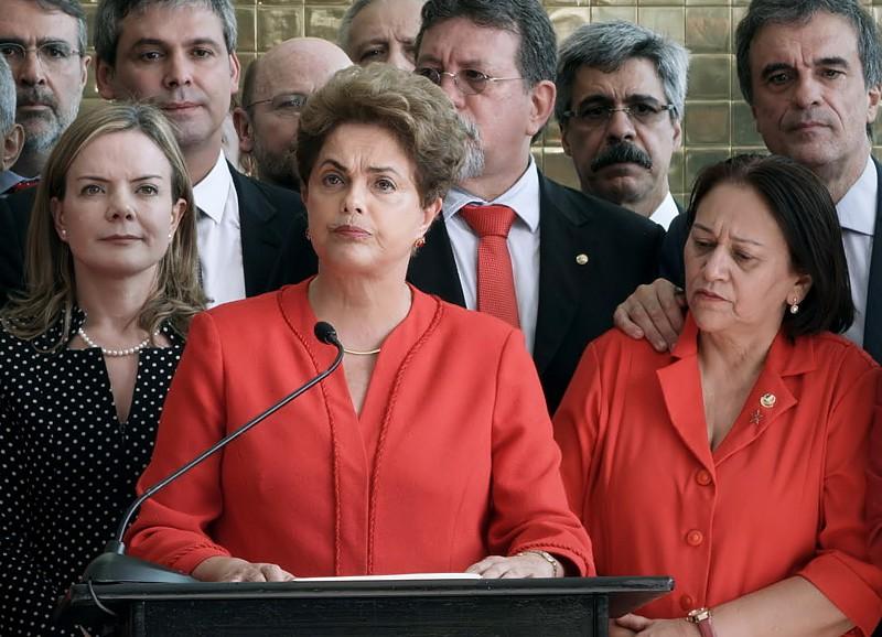 """Diário do IndieLisboa: dia de farsas políticas, nos gabinetes, nos """"medias"""", no mundo todo"""