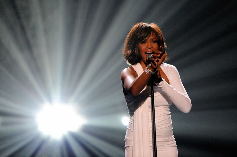 Bíblia de Whitney Houston à venda por 80 mil euros