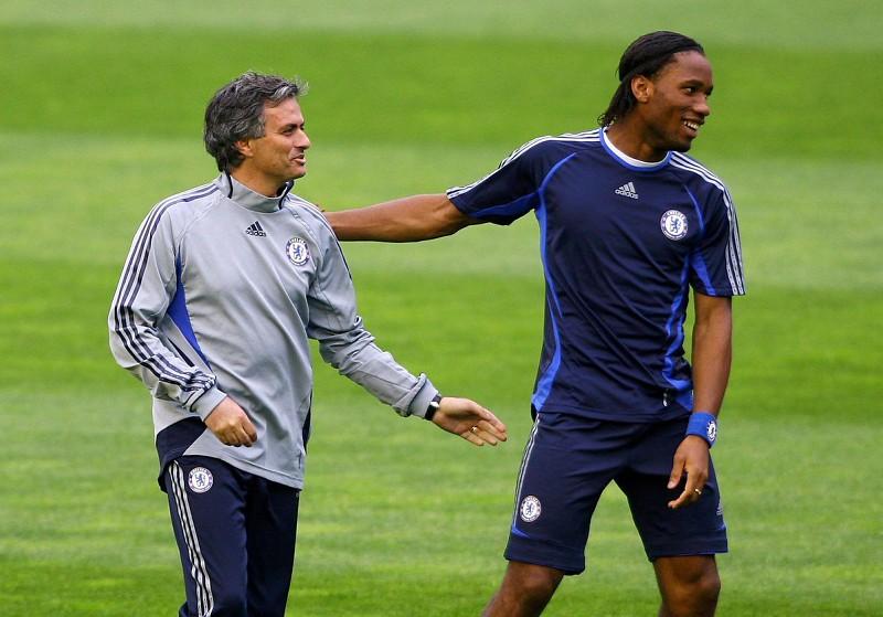 cbcf40bff5 O dia em que Mourinho impediu Drogba de deixar o Chelsea para voltar ao  Marselha