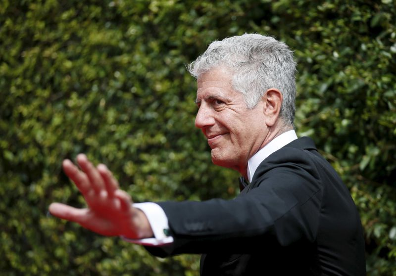 Corpo do famoso chef Anthony Bourdain foi cremado em França