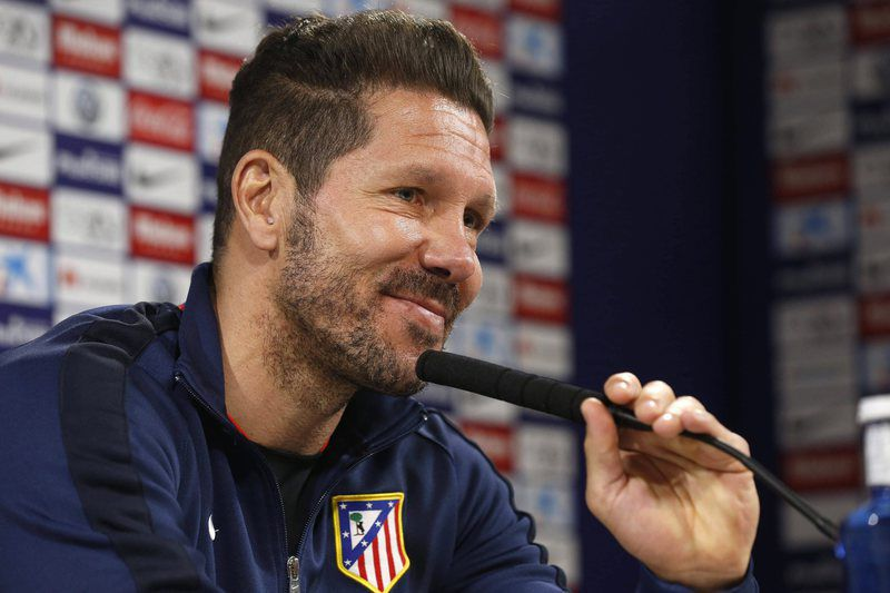 ATLETICO MADRID PRESS CONFERENCE • epa05238972 Atletico Madrid's coach, Diego Simeone, attends a press conference after the team's training session held at Cerro del Espino in Majadahonda, Madrid, Spain on 01 April 2016. Atletico Madrid will be facing Betis FC in a Spanish Primera Division Liga match on 02 April 2016 at the Vicente Calderon stadium.  EPA/KIKO HUESCA • Lusa