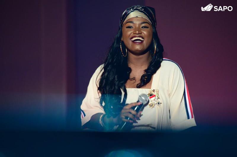 Edmázia Mayembe actua na gala de eleição da miss Lubango/2018