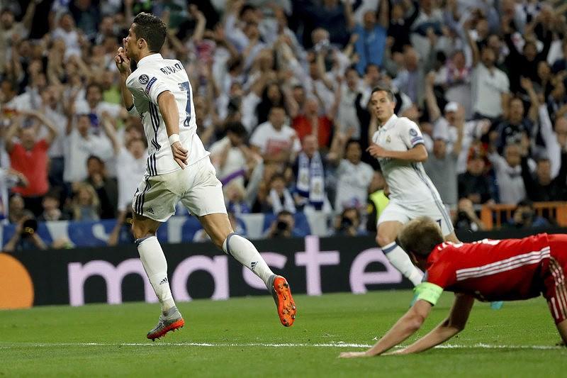 CR100 faz história na Champions e mostra o caminho para as  meias  Ronaldo  ... c0aba91d8c30c