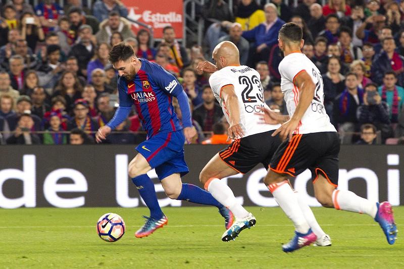 38a5234b4b Presidente do FC Barcelona assegura continuidade de Lionel Messi ...