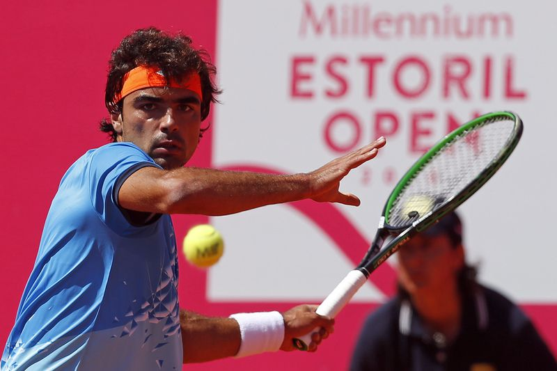 Tennis Estoril Open tournament • Portuguese tennis player Frederico Silva in action during the match played against Spanish opponent Nicolas Almagro at the Tennis Estoril Open in Estoril, 25th April 2016. TIAGO PETINGA/LUSA • Lusa