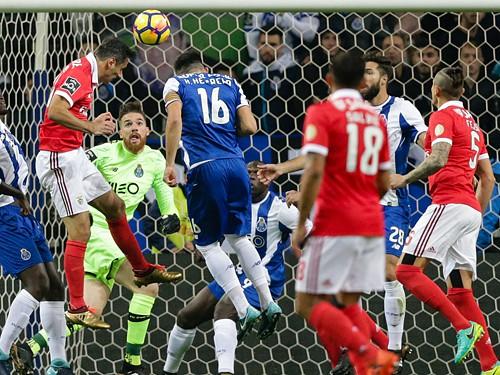 Clássico FC Porto-Benfica com vista para o título 6fbfd69b57cd5