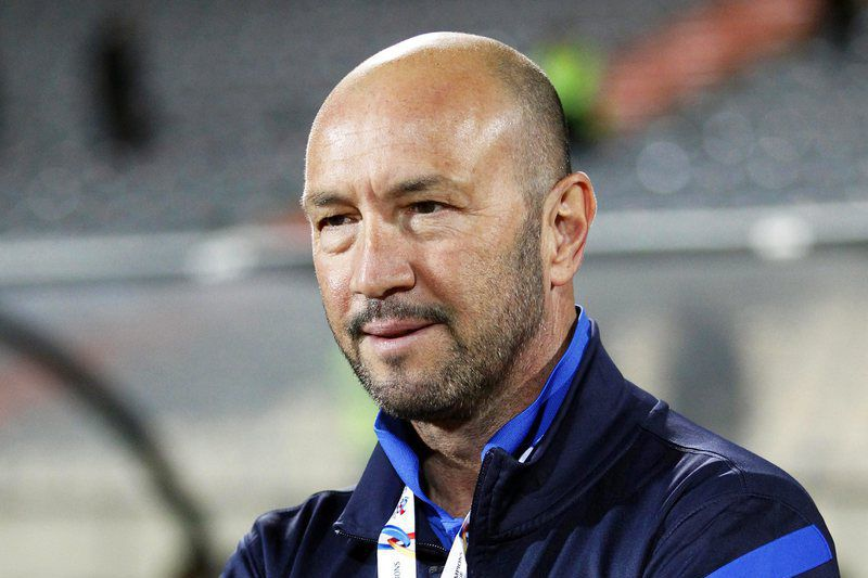 Walter Zenga é o novo treinador da Sampdoria • epa04782910 (FILE) A file picture dated 18 March 2014 of Al-Jazira's Italian head coach Walter Zenga during the AFC Champions League group A soccer match between Esteghlal FC and Al-Jazira FC at Azadi stadium in Tehran, Iran. Walter Zenga was set to take over Italian Serie A side UC Sampdoria after the departure of Sinisa Mihajlovic, the Genoa club said on 04 June 2015. EPA/ABEDIN TAHERKENAREH • EPA/ABEDIN TAHERKENAREH