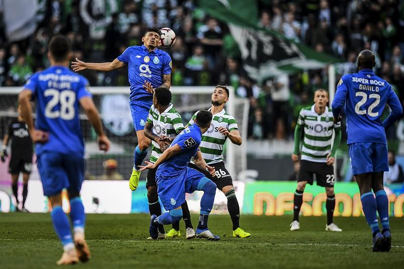 Primeira Liga  FC Porto lidera 3c1e021a26f3a
