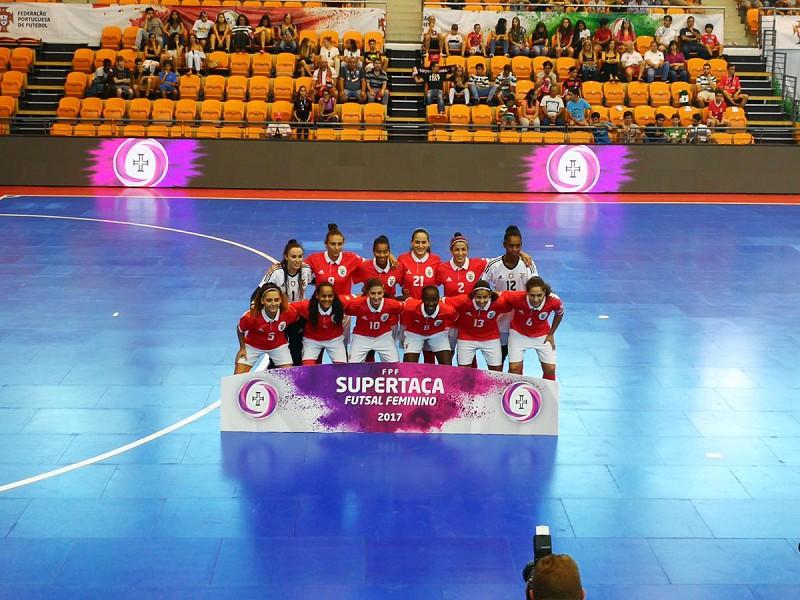 d238b29841 O Benfica conquistou este sábado a Supertaça de futsal feminina