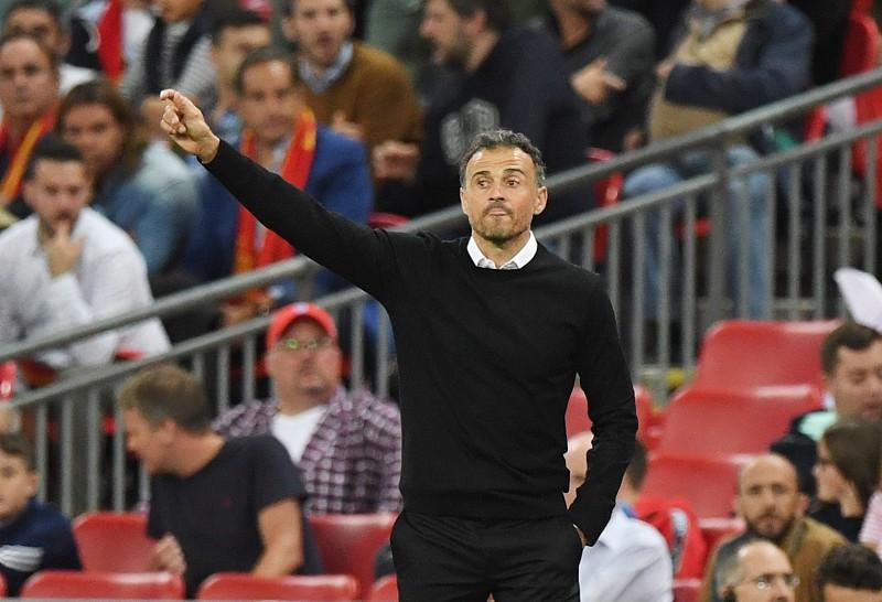 324d01814da75 Luis Enrique EPA FACUNDO ARRIZABALAGA. A Espanha venceu hoje a Inglaterra  ...