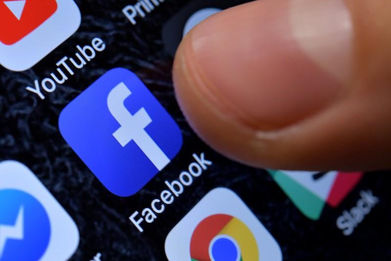 Facebook suspende empresa que terá usado dados privados na campanha de Trump