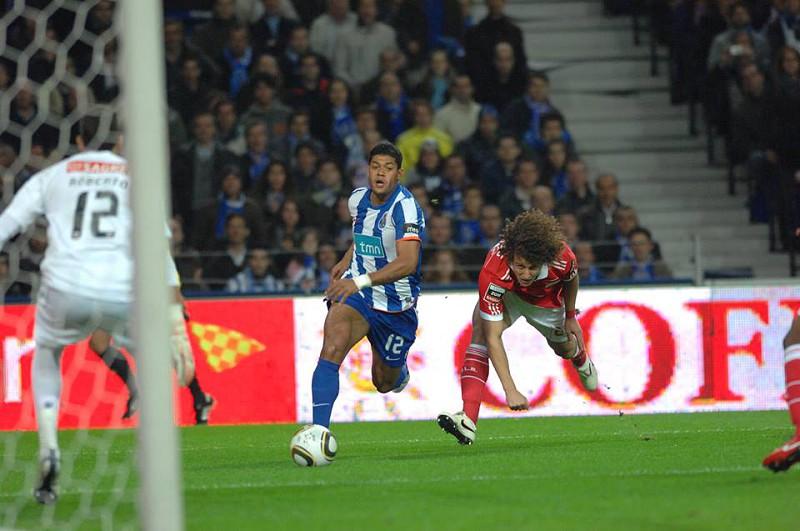 e6e4b369e6 Benfica vs FC Porto  clássicos em que não faltaram gritos de  Golo ...