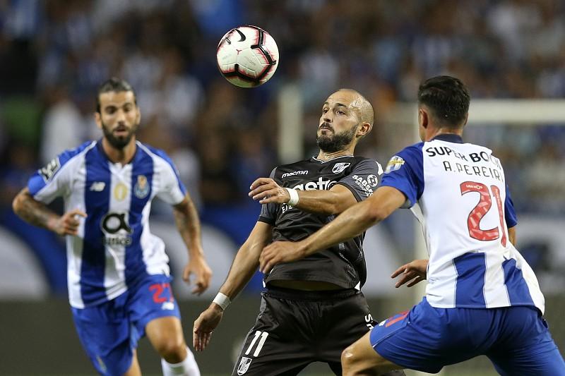 b95facc657 Surpresa no Dragão  FC Porto derrotado pelo V. Guimarães depois de ter  estado a