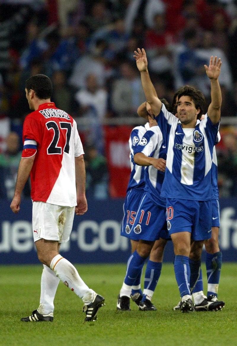 VÍDEO. FC Porto elege os cinco melhores golos marcados na Alemanha. Qual o  melhor fa0e61f81409e