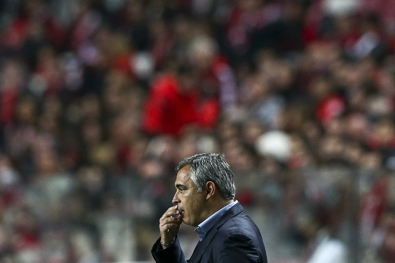 41218f35ed60335b3c13913767e9376d7bcc4.jpg • Estoril praia head coach Jose Couceiro reacts during their Portuguese First League match against SL Benfica held at Luz Stadium in Lisbon, Portugal, 28 February 2015. JOSE SENA GOULAO/LUSA • LUSA