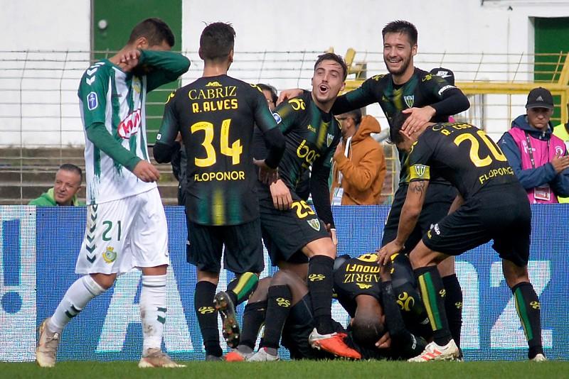 Taça da Liga  Tondela vence Vitória de Setúbal - Taça da Liga - SAPO ... 8e1efa2cf3388