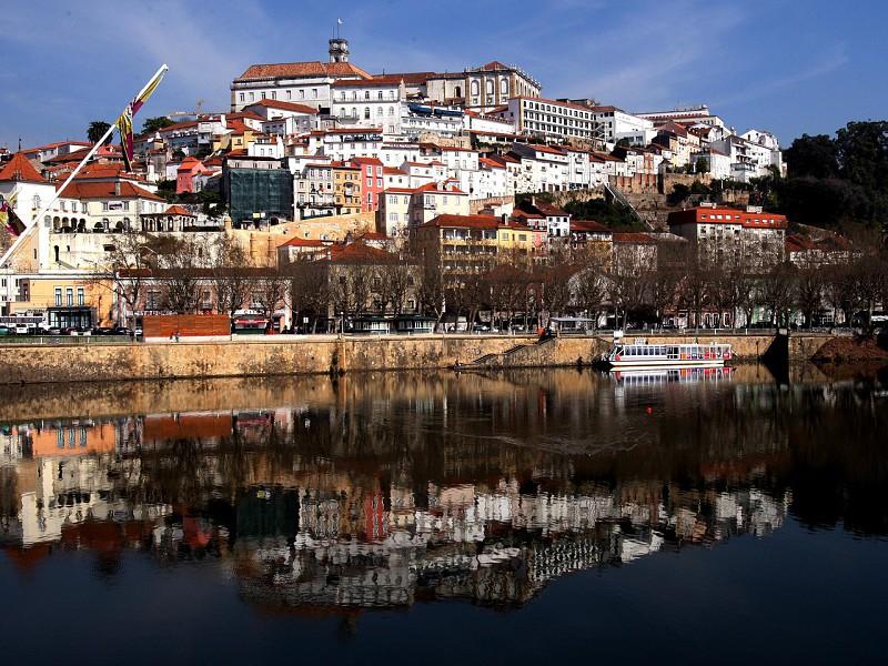 Resultado de imagem para Câmara de Coimbra reconhece interesse histórico a duas repúblicas de estudantes