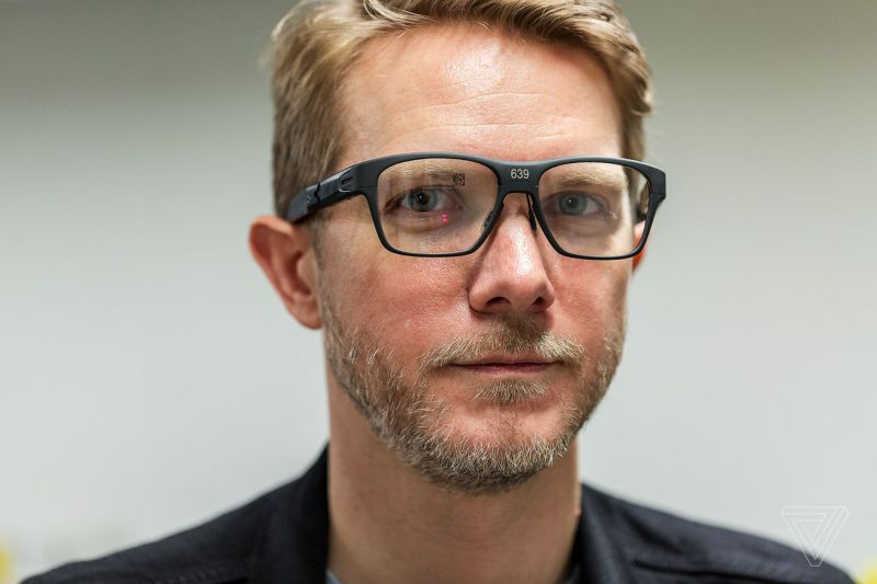 be3014a84197f Os óculos inteligentes não morreram com os Google Glass. Conheça a nova  proposta da Intel