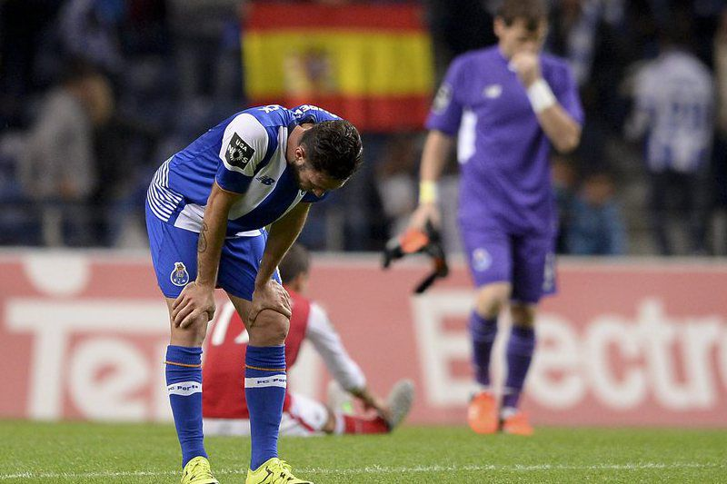 FC Porto vs Sporting de Braga • epa04996203 FC Porto´s player Miguel Layun shows his disappointment after the Portuguese First League soccer match held at Dragao stadium in Porto, Portugal, 25 October 2015.  EPA/HUGO DELGADO