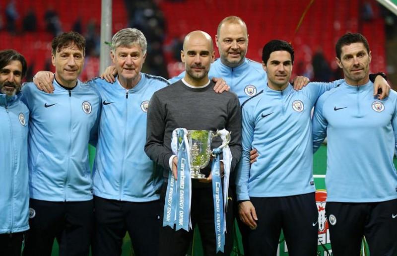 Guardiola iguala Mourinho em títulos e vai atrás do recorde de Alex Ferguson 78be07b059c5c