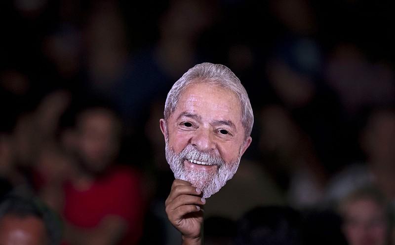 Lula da Silva formalizou candidatura à presidência do Brasil
