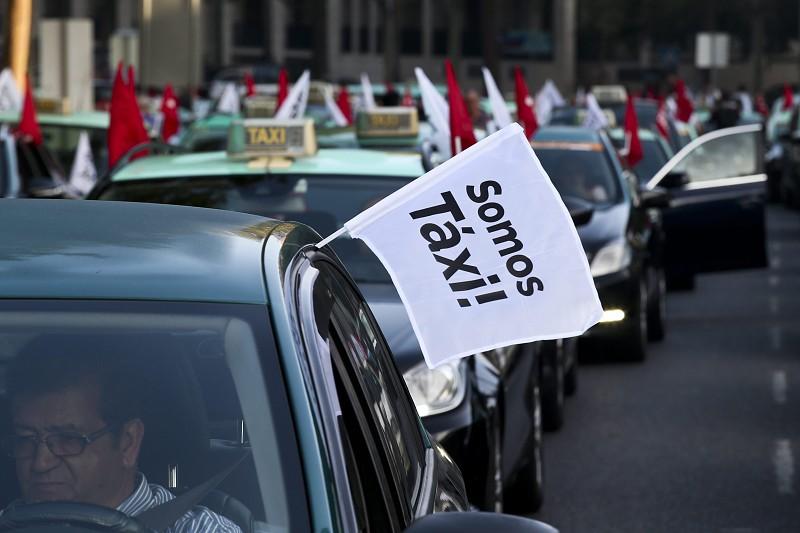 Resultado de imagem para Atenção ao trânsito. Taxistas manifestam-se hoje em Lisboa, Porto e Faro