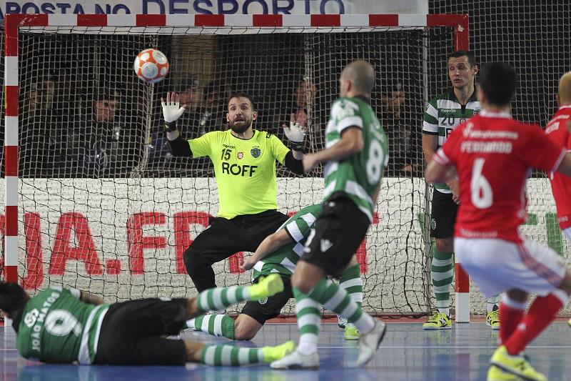 Futsal  Sporting-Unidos Pinheirense nos  quartos  da Taça da Liga. Leões 7da62e0e31449