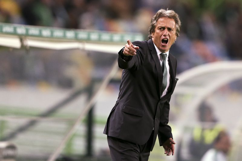 Sporting vs Estoril-Praia • Sporting of Lisbon head coach Jorge Jesus reacts during the Portuguese first league soccer match against Estoril-Praia held at the Alvalade Stadium in Lisbon, Portugal, 31 October 2015. MANUEL DE ALMEIDA/LUSA • LUSA2015