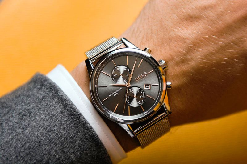 b7c9aa444fc Hugo Boss e Tommy Hilfiger também vestem Android Wear no segmento dos  smartwatches
