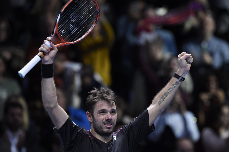 ATP World Tour Finals 2015 • epa05031698 Stanislas Wawrinka of Switzerland celebrates after winning his game against David Ferrer of Spain during their round robin game during the ATP World Tour Finals in London, Britain, 18 November 2015.  EPA/FACUNDO ARRIZABALAGA • Lusa