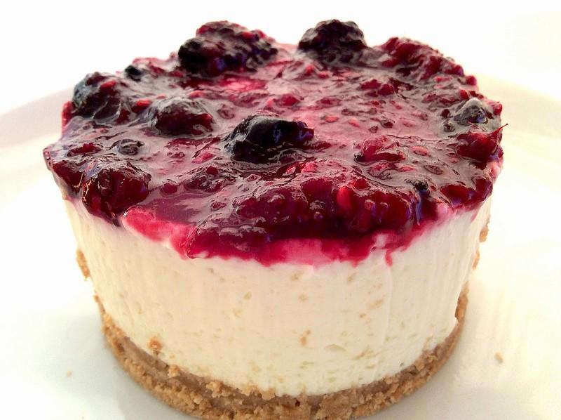 Resultado de imagem para cheesecake de frutos silvestres