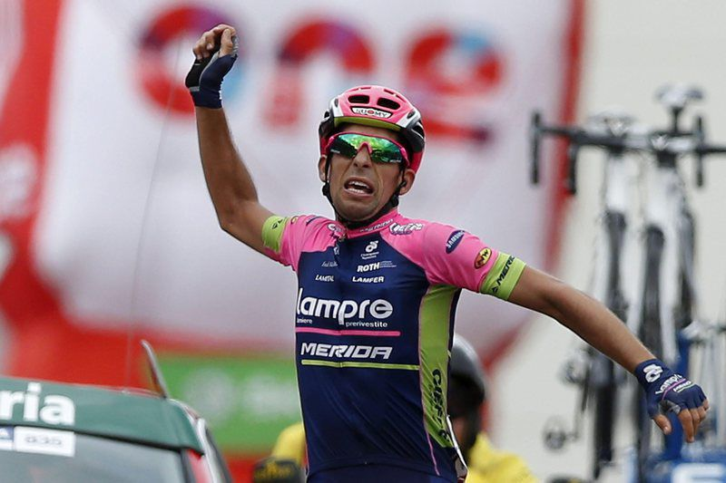 Nelson Oliveira vence a 13ª etapa da Vuelta, Tarazona, Espanha. JAVIER LIZON/LUSA • epa04913127 Portuguese cyclist Nelson Oliveira of Lampre Merida team celebrates winning the thirteenth stage of the 2015 Vuelta a Espana cycling race, over 173 km between Calatayud and Tarazona, northern Spain, 04 September 2015.  EPA/JAVIER LIZON • Lusa